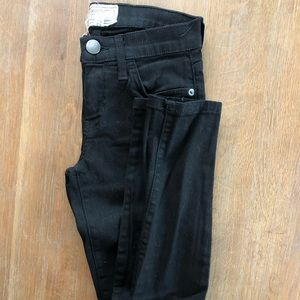 Current/Elliott - Stiletto Skinny Jeans (BLK, 23)